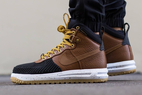 nike-lunar-force-1-duckboot-805899-004-light-british-tan-1-600×400
